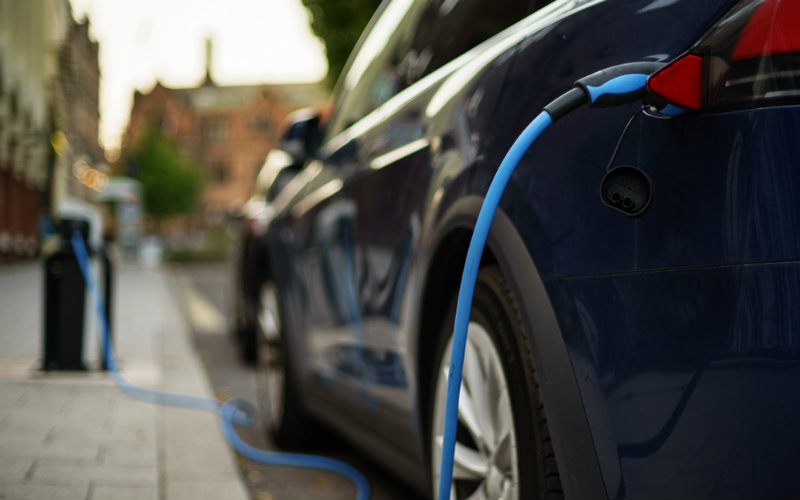 Start-up launches 'industry first' electric car insurance